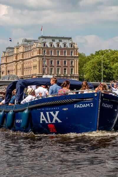 AIX Rosé Boot tijdens een privé event